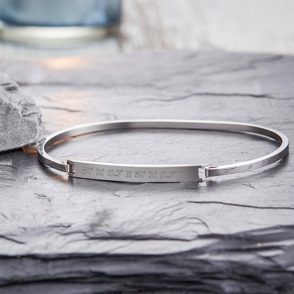 Armreif mit Gravur - Geokoordinaten Silber - Personalisiert