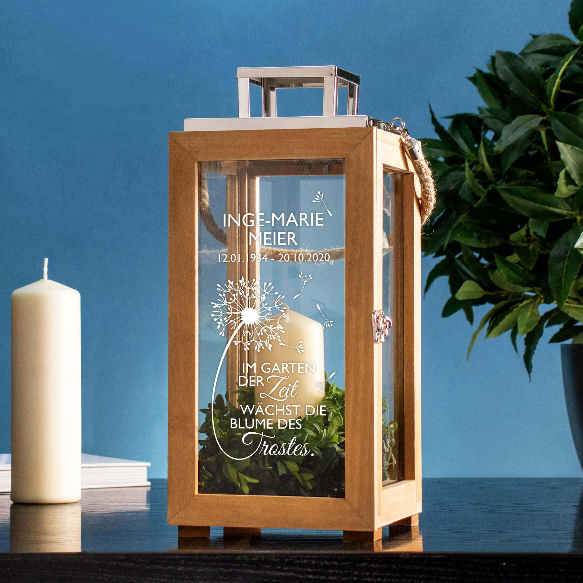 Laterne aus Holz - Graviert mit Trauer - Blume - Personalisiert