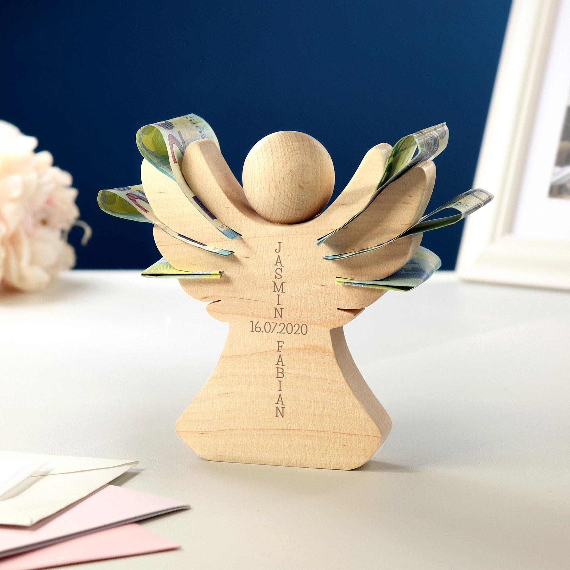 Engel aus Holz mit Gravur zur Hochzeit - Personalisiert