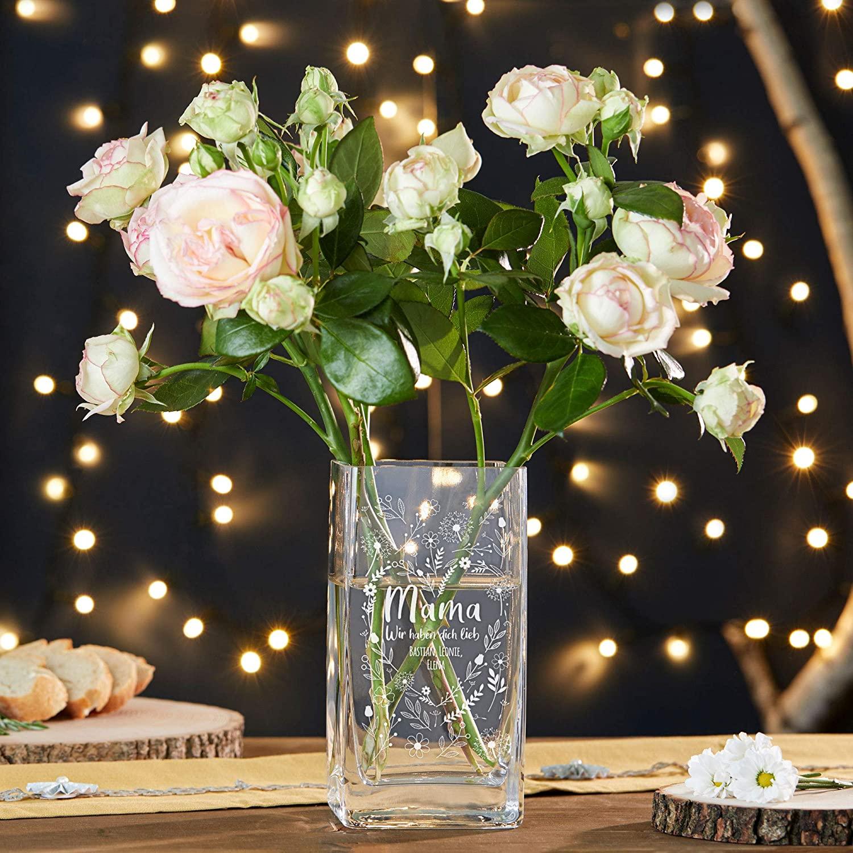 Vase aus Glas mit Gravur für Mama - Blumenherz - Personalisiert
