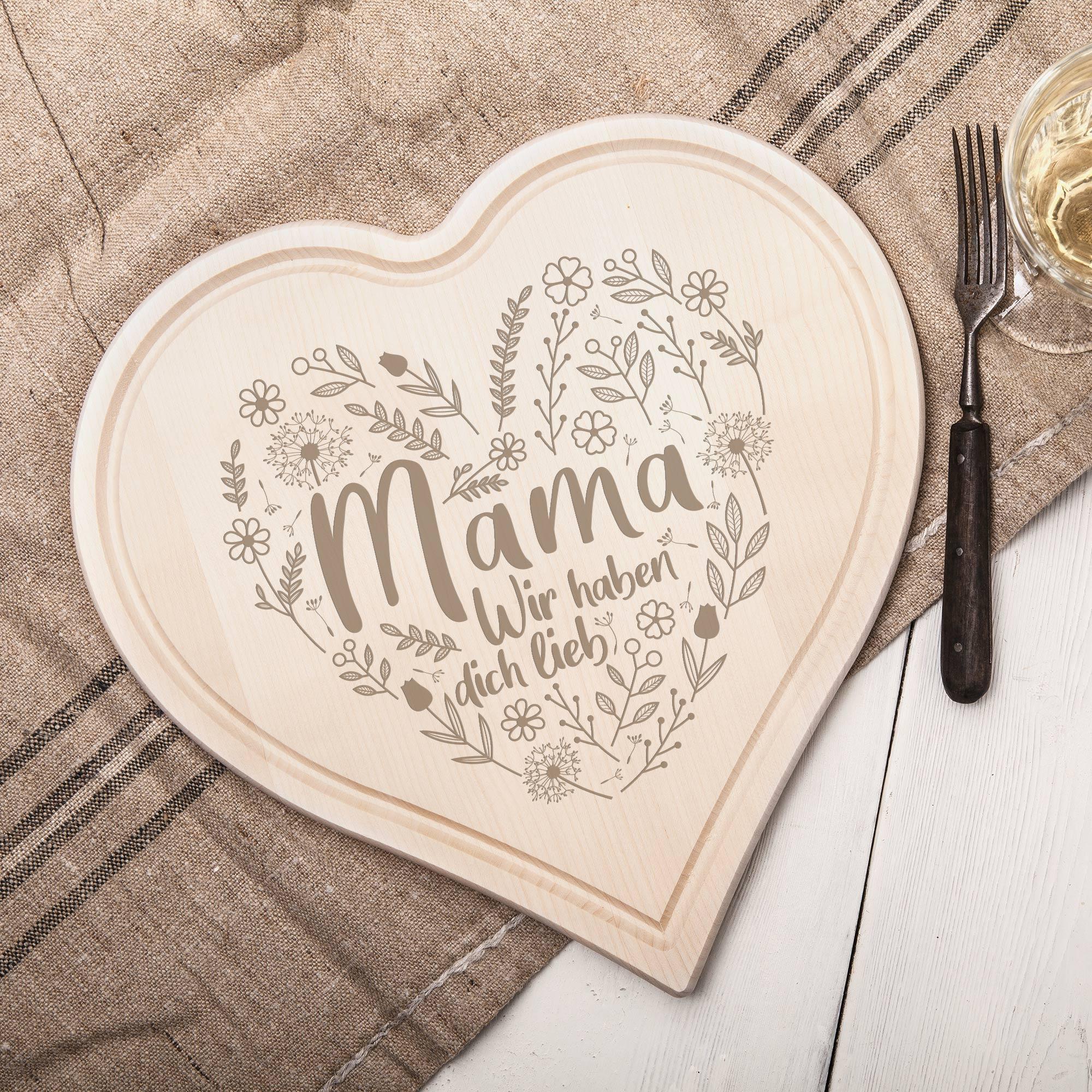 Herzbrett mit liebevoller Gravur - Mama wir haben dich lieb